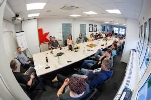 Gut besucht: Rund 30 Kolleginnen und Kollegen kamen zur VNBS-Veranstaltung in den Räumen des kicker. Foto: Thomas Hahn